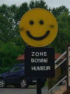 Vous entrez dans une zone bonne humeur ! - Crédit photo izart.fr