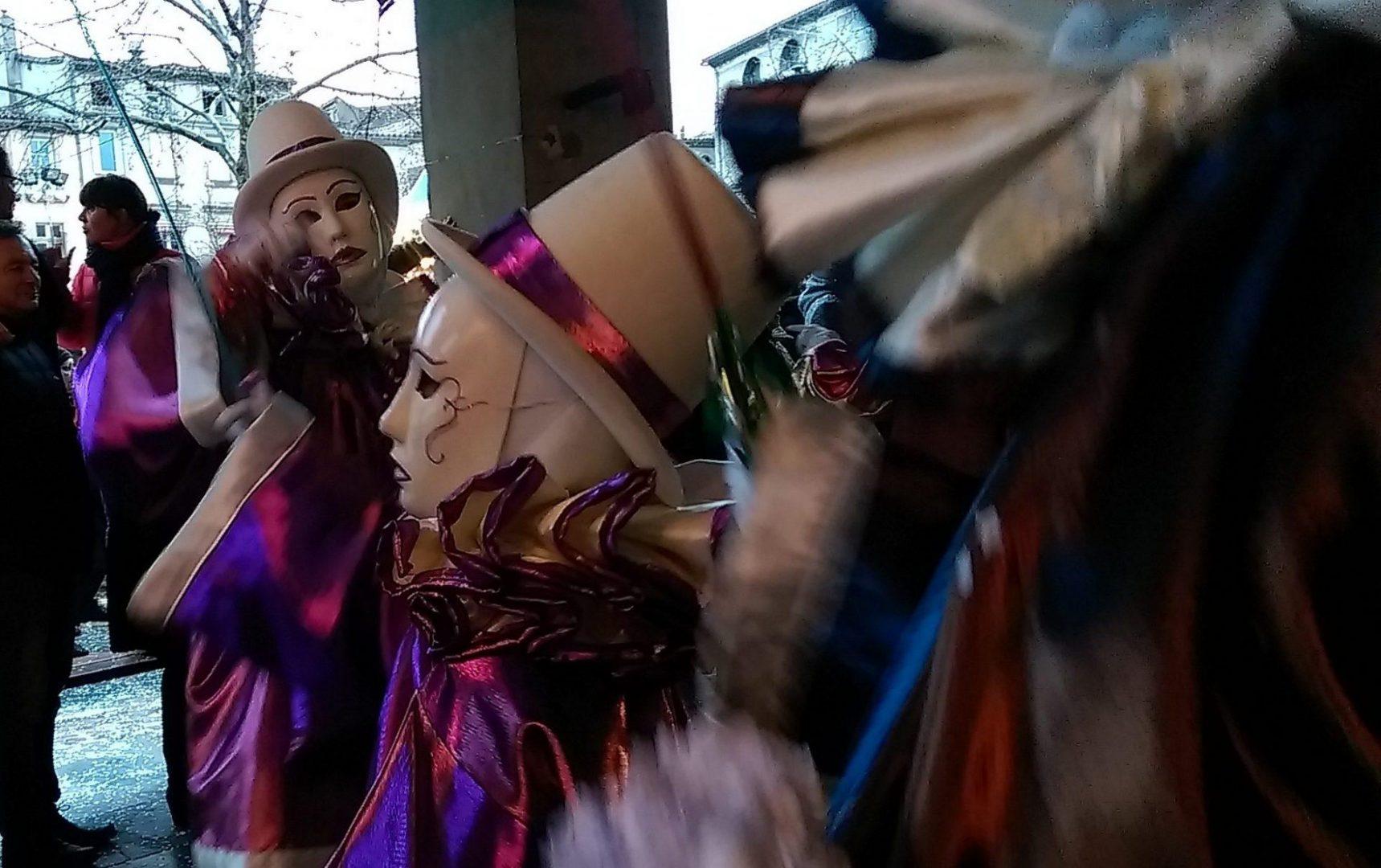 Au Carnaval le plus long du monde - Crédit photo izart.fr